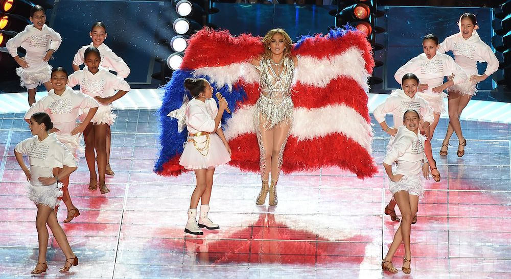 Jennifer Lopez Super Bowl draped in Puerto Rican flag during Halftime show